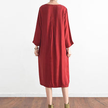 Laden Sie das Bild in den Galerie-Viewer, 2017 red casual silk sundress oversize large hem summer dress long sleeve maxi dress