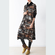 Laden Sie das Bild in den Galerie-Viewer, 2017 spring chocolate dresses sleopard print maxi dresses cotton fuzzy fabric warm