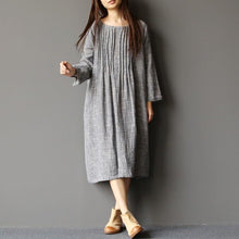 Laden Sie das Bild in den Galerie-Viewer, 2017 spring light gray linen dresses plus size pleated cotton dress caftans