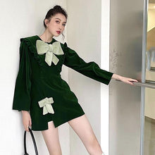 Laden Sie das Bild in den Galerie-Viewer, 2020 Winter Casual Fashion New Style Temperament All Match Goddess Fan Women Dress