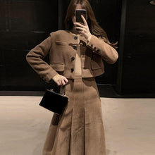 Load image into Gallery viewer, Vintage Wrinkles Skirt Women Winter Trendy Fashion New Style A Line Style Empire Waist Elegant Match All Pleated