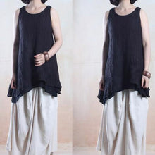 Laden Sie das Bild in den Galerie-Viewer, Black linen tank tops layered shirt asymmetrical design
