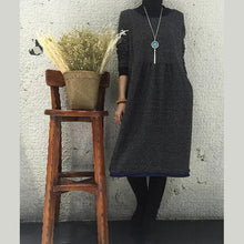 Laden Sie das Bild in den Galerie-Viewer, Black oversize causal dress long sleeves dress women blouse