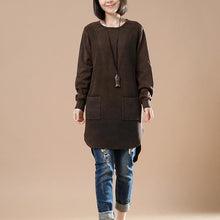 Laden Sie das Bild in den Galerie-Viewer, Chocolate oversized sweater shirt pockets casaul style