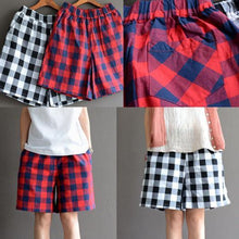 Load image into Gallery viewer, Classic cotton plaid summer short pants women loose casual cotton shorts