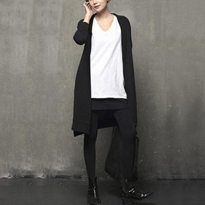 Cozy black oversized long sleeve knitwear pockets