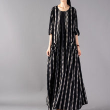 Laden Sie das Bild in den Galerie-Viewer, DIY o neck wrinkled linen dresses plus size Shirts black Plaid Maxi Dress spring