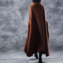 Laden Sie das Bild in den Galerie-Viewer, Elegant brown woolen Coats oversize Turn-down Collar long coat top quality asymmetric trench coat