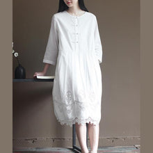 Load image into Gallery viewer, Elegant lace patchwrok white cotton dresses long sleeve maxi dress plus size cotton clothing