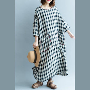 Fine black Plaid cotton linen maxi dress oversized O neck back side open traveling clothing 2018 Three Quarter sleeve pockets cotton linen dresses