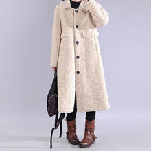 Load image into Gallery viewer, Fine white woolen outwear Loose fitting lapel Button trench coat