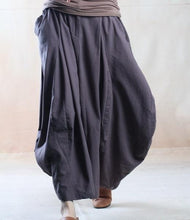 Laden Sie das Bild in den Galerie-Viewer, Gray line skirt long maxi skirt plus size - The old Melody