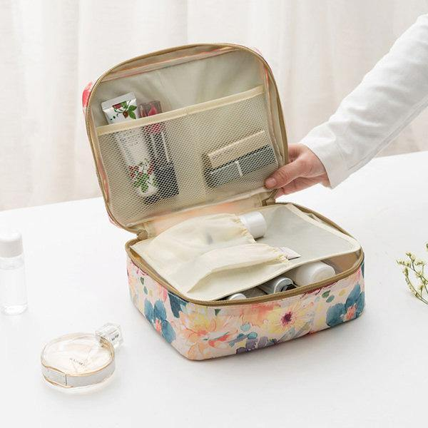Green Leaves Toiletry Bags Travel Casual Storage Bags