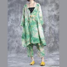 Laden Sie das Bild in den Galerie-Viewer, Green V neck linen dresses oversize caftans plus size