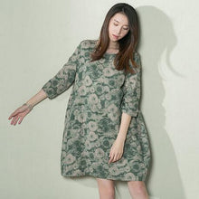 Load image into Gallery viewer, Green daisy print sundress loose oversize linen summer dresses