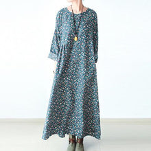 Laden Sie das Bild in den Galerie-Viewer, Green floral plus size cotton dresses long sleeve fall dresses print maxi dresses