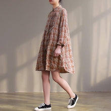 Laden Sie das Bild in den Galerie-Viewer, Handmade orange Plaid Cotton tunic top Plus Size design Button Down lace short Dresses