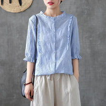 Laden Sie das Bild in den Galerie-Viewer, Handmade shirts women Fitted Cotton Soild Embroidery Hollow Out Shirt