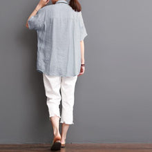 Laden Sie das Bild in den Galerie-Viewer, Light blouse silk top linen women blouse short