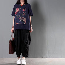 Laden Sie das Bild in den Galerie-Viewer, Navy patchwork floral women summer shirt linen blouse