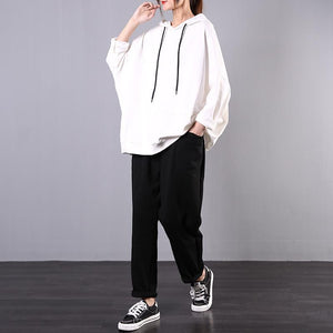 New Korean version of loose large size meat cover white top + black pants casual suit