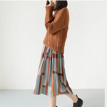 Laden Sie das Bild in den Galerie-Viewer, Orange pleated skirts spring chiffon skirt long casual skirts