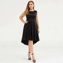 Load image into Gallery viewer, Plus Size Solid Color Slim Sleeveless Formal Dress