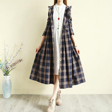 Laden Sie das Bild in den Galerie-Viewer, Spring blue Plaid coat Loose fitting hooded Button Down long coat