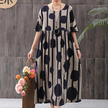 Laden Sie das Bild in den Galerie-Viewer, Stripes And Big Dots Retro Loose Dress