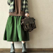 Laden Sie das Bild in den Galerie-Viewer, Vintage green big pockets linen skirts high quality stylish loose fitting skirt