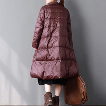 Laden Sie das Bild in den Galerie-Viewer, Warm burgundy duck down coat plus size clothing stand collar snow pockets large hem coats