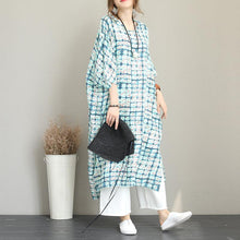 Load image into Gallery viewer, baggy print long linen dress Loose fitting o neck linen clothing dresses Fine Batwing Sleeve side open gown