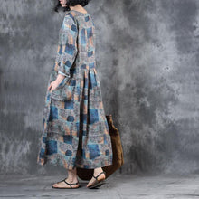 Load image into Gallery viewer, baggy blue prints linen maxi dress Loose fitting waist drawstringtraveling dress New o neck caftans