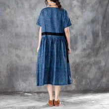 Load image into Gallery viewer, baggy long linen dresses Loose fitting Printed Lacing Short Sleeve Dresses Blue Pleated Dress
