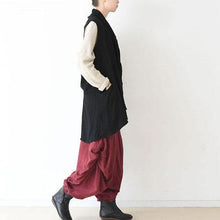Laden Sie das Bild in den Galerie-Viewer, black asymmetric linen blouse draping back vest casual stylish tops jacket linen clothing