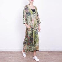 Load image into Gallery viewer, boutique green linen maxi dress Loose fitting v neck traveling dress Fine side open maxi dresses