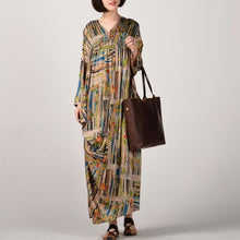 Load image into Gallery viewer, fashion prints long silk dress plussize v neck caftans Fine long sleeve caftans