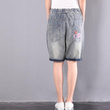 Laden Sie das Bild in den Galerie-Viewer, original embroidery floral shorts oversize elastic waist ripped jeans