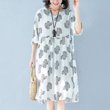 Laden Sie das Bild in den Galerie-Viewer, top quality gray print cotton linen dresses Loose fitting women half sleeve baggy dresses v neck cotton linen clothing dress