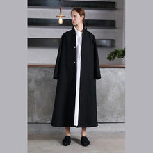 Load image into Gallery viewer, vintage black Woolen Women oversize trench coat V neck wrinkled  jacket embroidery tie waist Coat