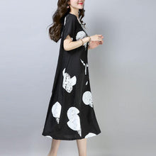 Load image into Gallery viewer, vintage cotton shift dress plus size clothing Casual Short Sleeve Round Neck Printed Black Dress