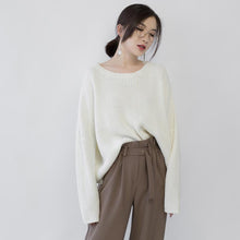 Load image into Gallery viewer, women beige knit sweaters Loose fitting O neck casual Batwing Sleeve fall sweaters