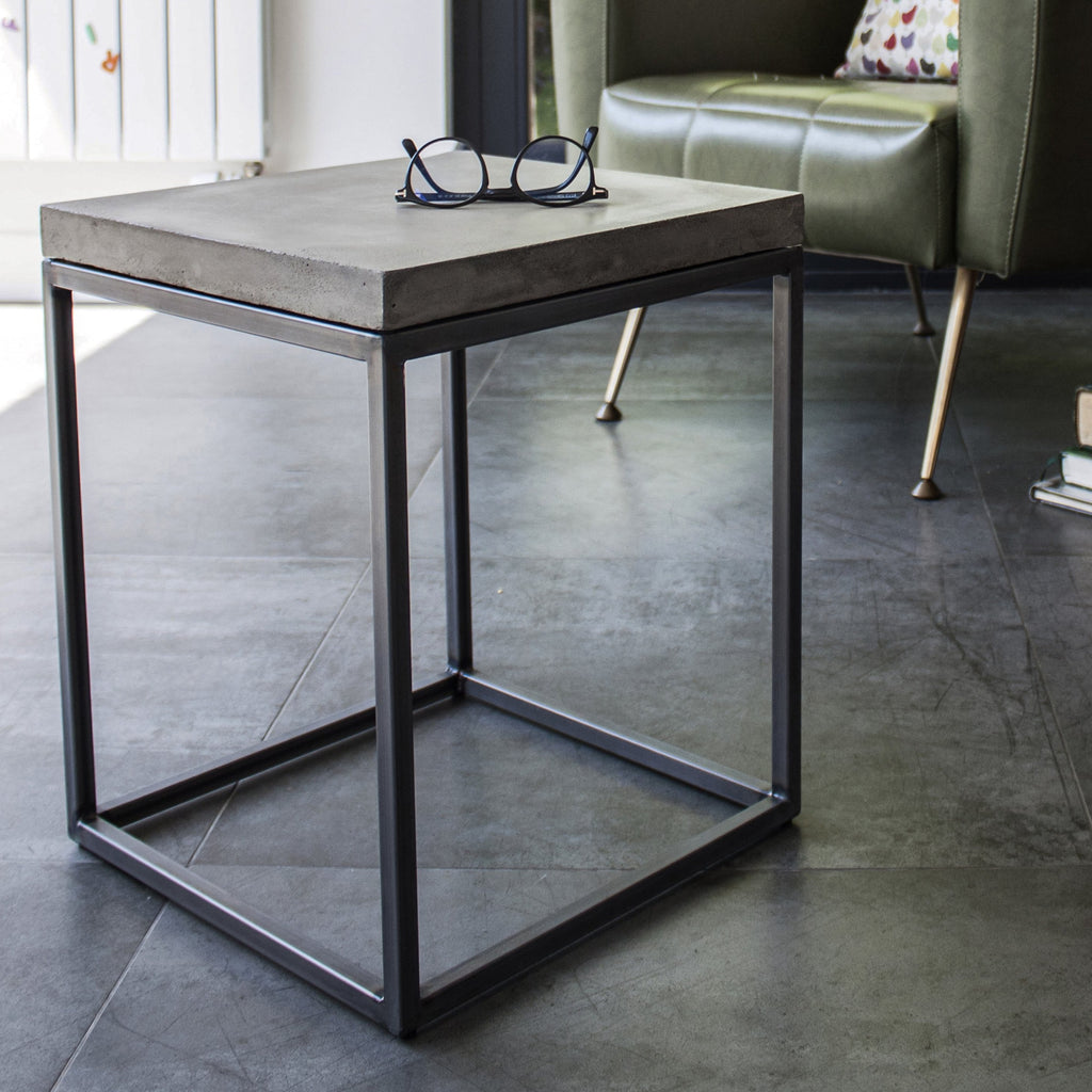 Loyon Beton Perpective Side Table