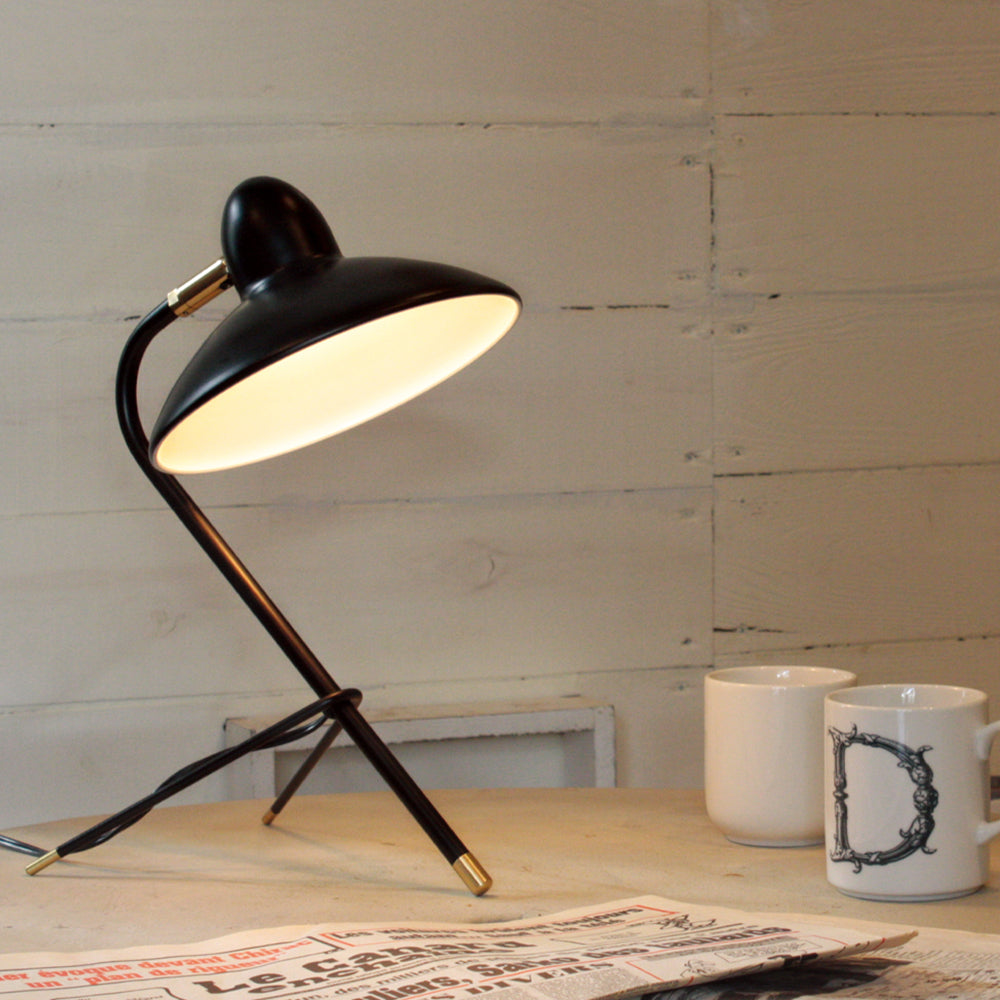 DI CLASSE Arles Table lamp black on table