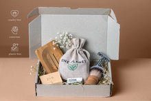 Laden Sie das Bild in den Galerie-Viewer, eco friendly shaving kit in box