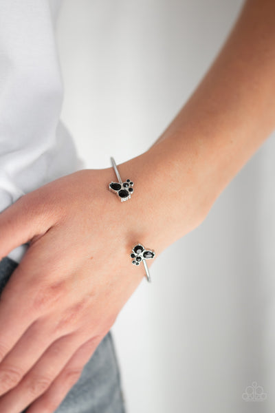 Going For Glitter - Black Bracelet