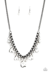 knockout Queen - Black Necklace