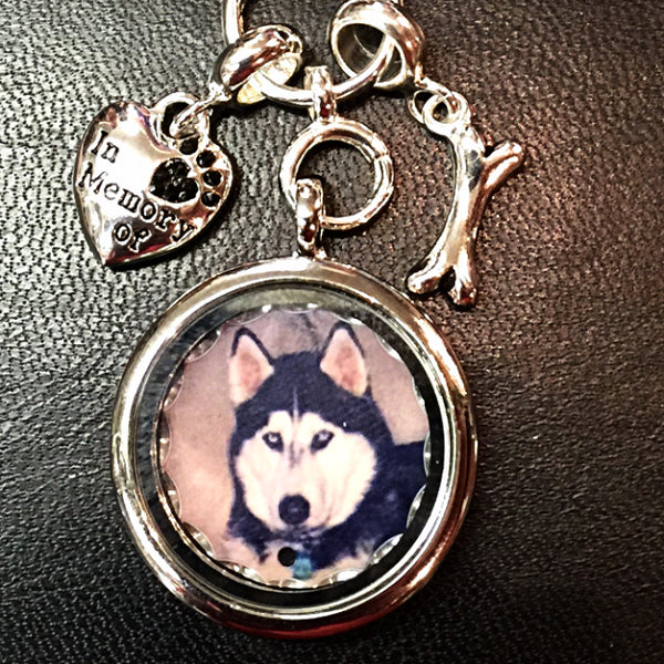 Pet Memorial Photo Locket Necklace - Enchanted Memories, Custom Engraving & Unique Gifts