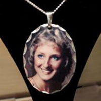 Memorial Photo Pendant Necklace - Enchanted Memories, Custom Engraving & Unique Gifts