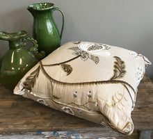 Load image into Gallery viewer, Darjeeling Pillow